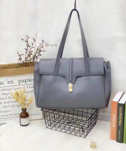 Дамска стилна чанта в сиво 627