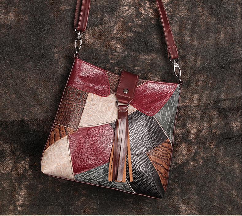 Малка дамска чанта от 100% италианска естествена кожа с дълга подвижна дръжка 05206231/1-max color