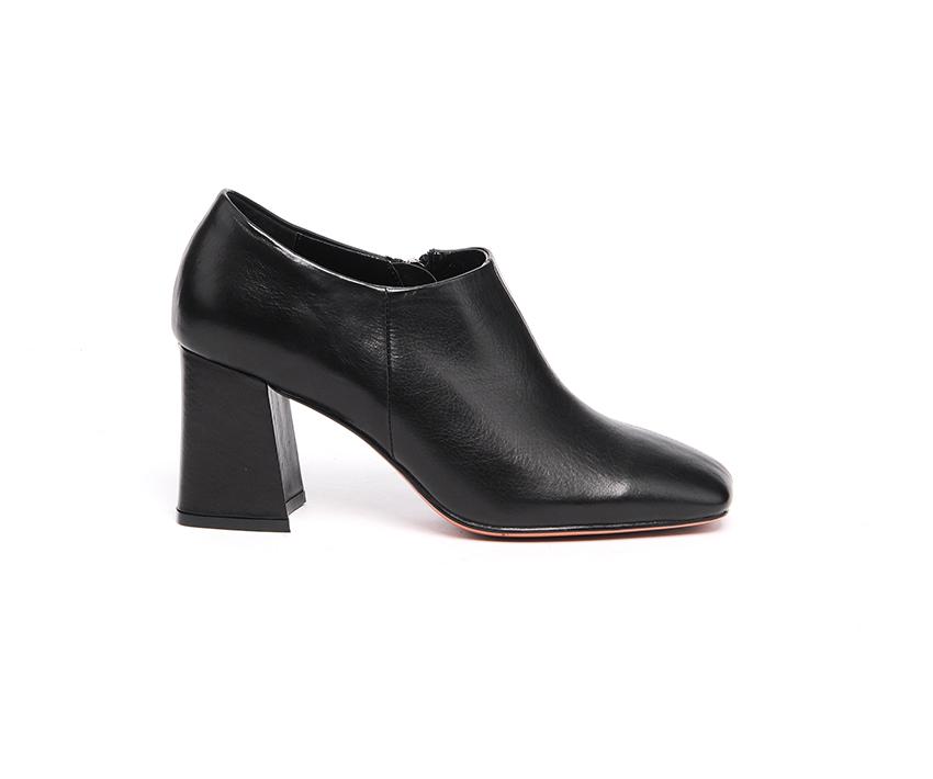 Стилни дамски обувки от естествена кожа в черно 9035