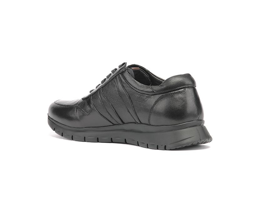 Мъжки спортни обувки от естествена кожа с ефектен принт в черно