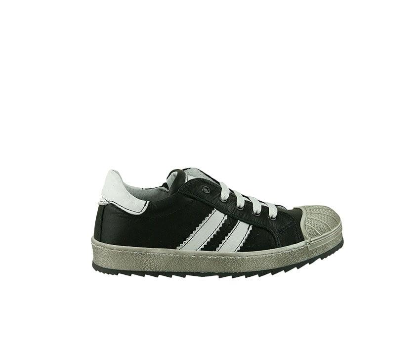 Юношески спортни обувки от естествена кожа в черно (размер: 30-39)