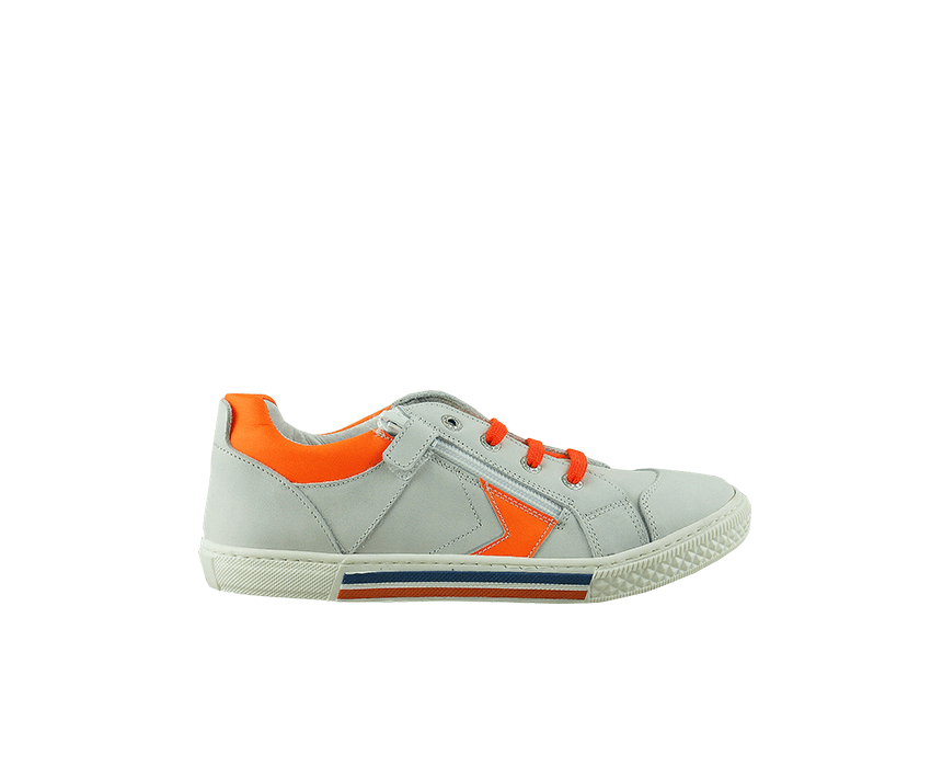 Юношески спортни обувки в бяло и оранжево от естествена кожа (Размер: 30-35)