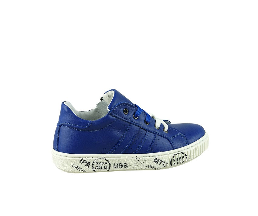 Детски спортни обувки от естествена кожа в синьо и бяло (размер: 30-35)