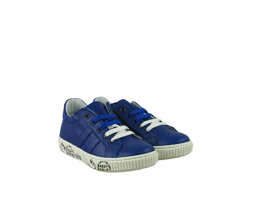 Детски спортни обувки от естествена кожа в синьо и бяло (размер: 27-29)