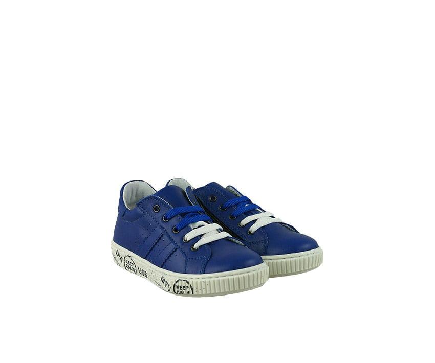 Детски спортни обувки от естествена кожа в синьо и бяло (размер: 24-26)
