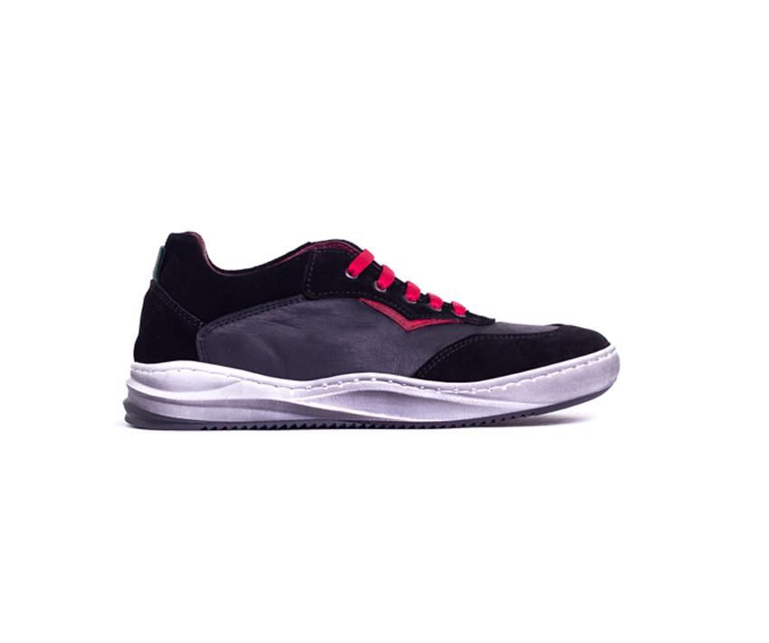 Юношески спортни обувки от естествена кожа в черно и червено